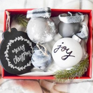 Farmhouse ornaments | DIY ornaments | 12 Days of Craftmas | DIY Gifts | Crafty Gifts | Christmas Gifts DIY | Gift Ideas | DIY Christmas Gifts