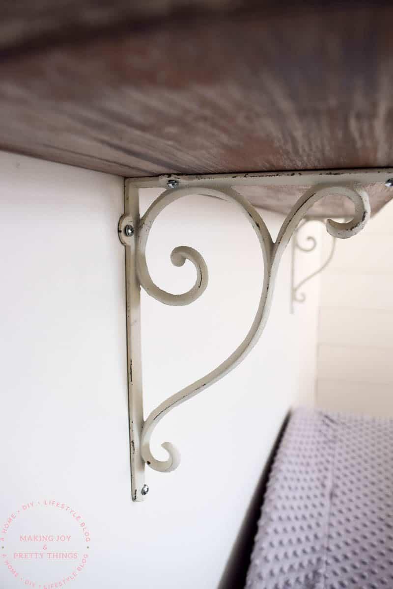 farmhouse shelves | farmhouse shelves DIY | farmhouse style | diy farmhouse shelves | diy farmhouse shelf | rustic shelves | rustic shelving | shelves DIY | diy shelves | diy shelves easy | diy shelf