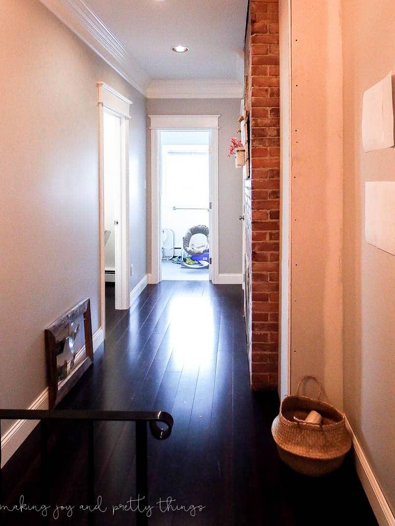 design inspiration for a modern farmhouse hallway   hallway decor   hallway decorating   hallway ideas   modern farmhouse   boho hallway   upstairs hallway decorating